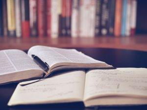 就活始めたらまずはこれを読め!就活に必要な本3つ